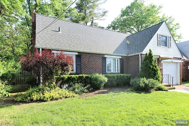 Single Family Home for Sale at 246 Linden Place 246 Linden Place New Milford, New Jersey 07646 United States