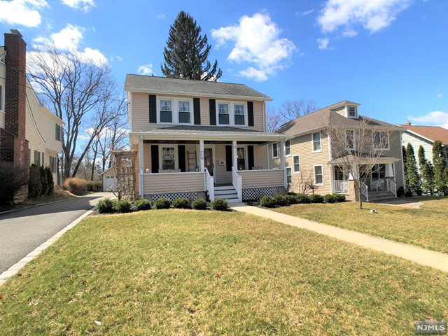 Single Family Home for Sale at 54 Hill Street 54 Hill Street Midland Park, New Jersey 07432 United States