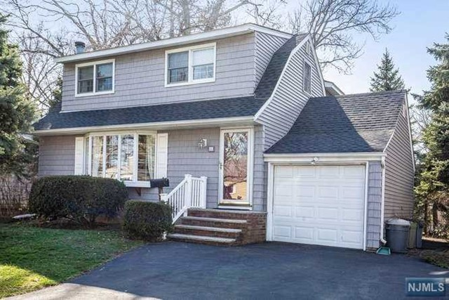 Single Family Home for Sale at 26 Birch Road 26 Birch Road Dumont, New Jersey 07628 United States