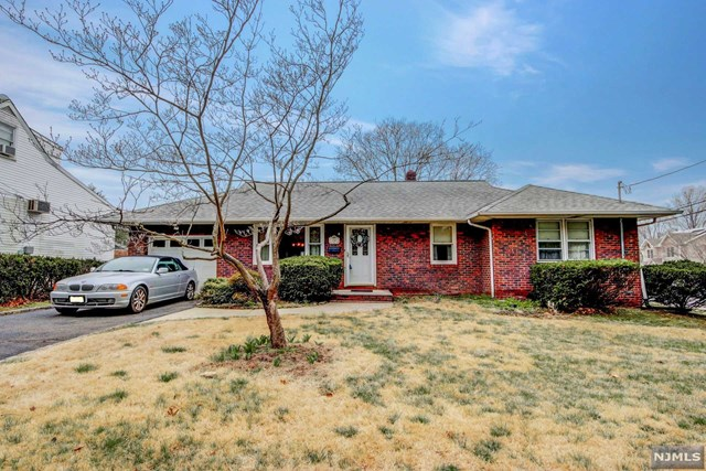 Single Family Home for Sale at 58 Hillside Terrace 58 Hillside Terrace East Rutherford, New Jersey 07073 United States