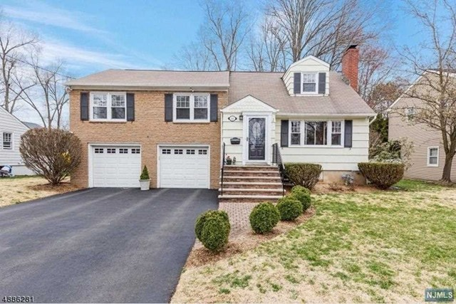 Single Family Home for Sale at 18 Surrey Lane Madison, New Jersey 07940 United States