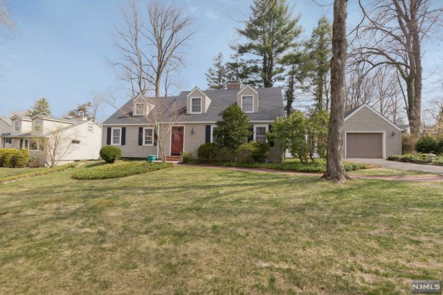Single Family Home for Sale at 15 Turtle Road Morris Township, New Jersey 07960 United States