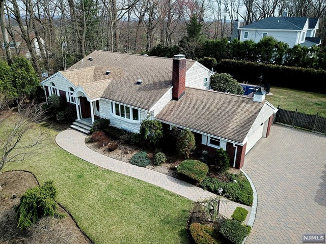 Single Family Home for Sale at 37 Strawberry Hill Road 37 Strawberry Hill Road Hillsdale, New Jersey 07642 United States