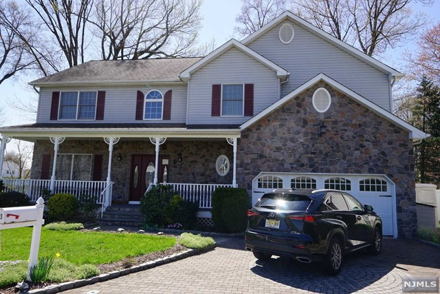 Single Family Home for Sale at 5 Orchard Lane 5 Orchard Lane Saddle Brook, New Jersey 07663 United States