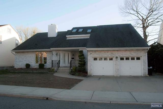 Villas / Townhouses for Sale at 46 Kossuth Street 46 Kossuth Street Wallington, New Jersey 07057 United States