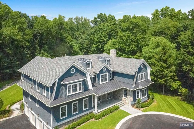 Single Family Home for Sale at 8 Kenwood Road 8 Kenwood Road Saddle River, New Jersey 07458 United States