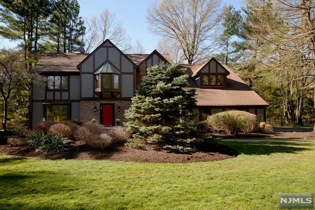 Single Family Home for Sale at 1 Westwind Court Saddle River, New Jersey 07458 United States