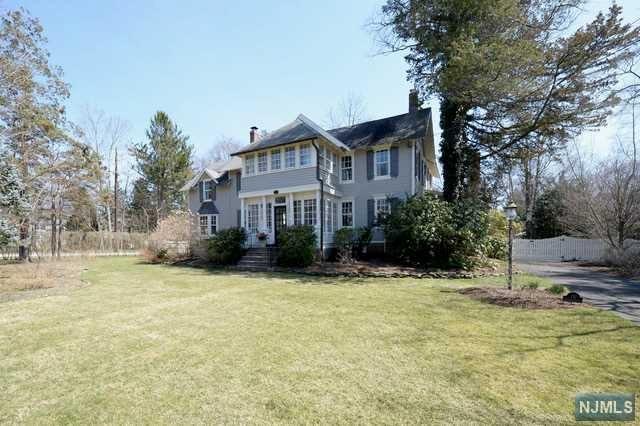Single Family Home for Sale at 110 Sheridan Avenue 110 Sheridan Avenue Ho Ho Kus, New Jersey 07423 United States
