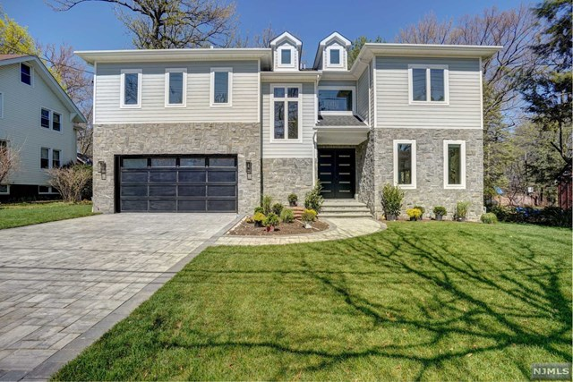 Single Family Home for Sale at 269 Rutland Avenue 269 Rutland Avenue Teaneck, New Jersey 07666 United States