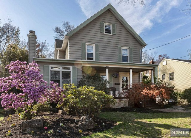 Single Family Home for Sale at 16 Oakland Avenue Westwood, New Jersey 07675 United States