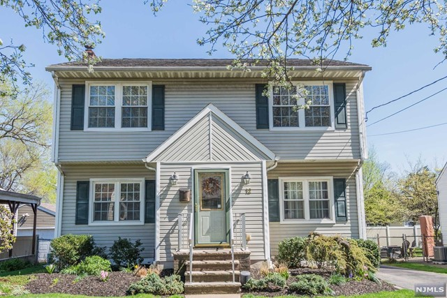 Single Family Home for Sale at 12 Greenlawn Drive 12 Greenlawn Drive Lodi, New Jersey 07644 United States