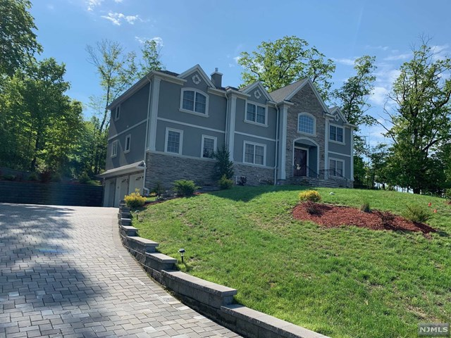 Single Family Home for Sale at 5 Massola Drive Wayne, New Jersey 07470 United States