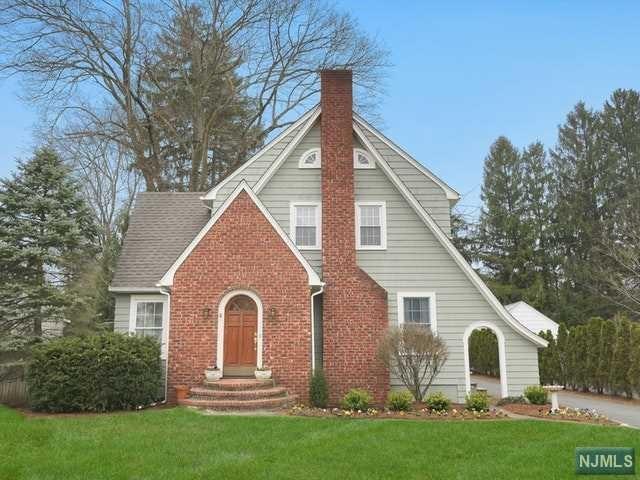 Single Family Home for Sale at 193 Elmwood Avenue 193 Elmwood Avenue Ho Ho Kus, New Jersey 07423 United States