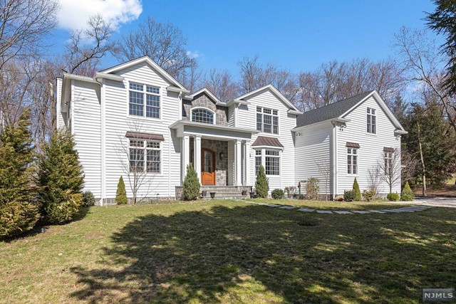 Single Family Home for Sale at 310 Hardenburgh Avenue 310 Hardenburgh Avenue Demarest, New Jersey 07627 United States