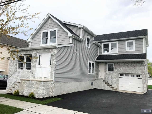 Single Family Home for Sale at 281 Green Avenue 281 Green Avenue Lyndhurst, New Jersey 07071 United States