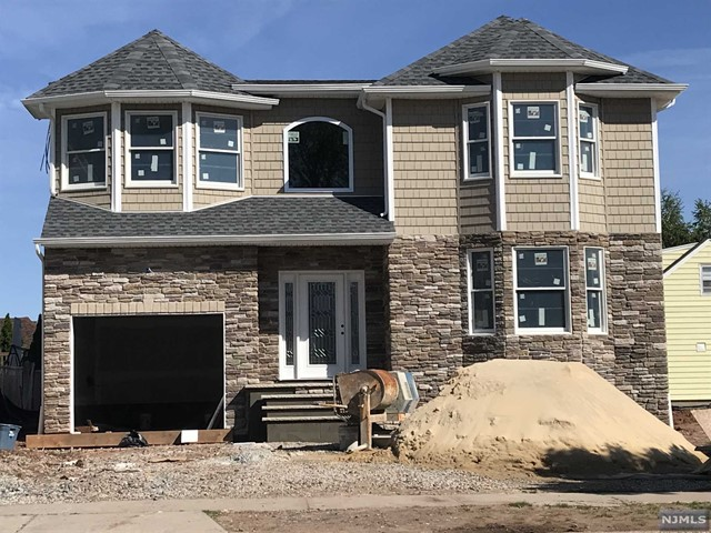 Single Family Home for Sale at 188 Hillcrest Avenue 188 Hillcrest Avenue Wood Ridge, New Jersey 07075 United States