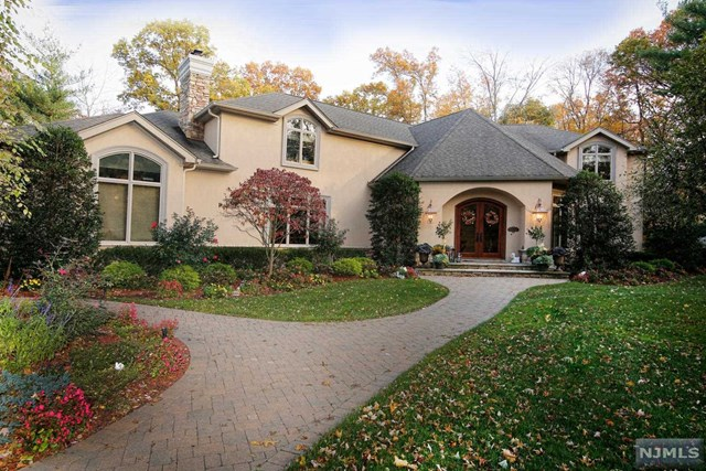Single Family Home for Sale at 195 Glen Road Woodcliff Lake, New Jersey 07677 United States
