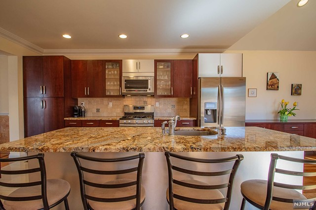 Additional photo for property listing at 12-07  Scribner Road Fair Lawn, New Jersey 07410 United States