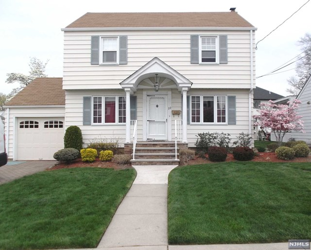 Single Family Home for Sale at 22 Larkspur Lane Clifton, New Jersey 07013 United States