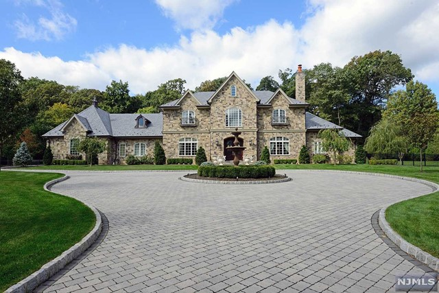 Single Family Home for Sale at 47 Chestnut Ridge Road Saddle River, New Jersey 07458 United States