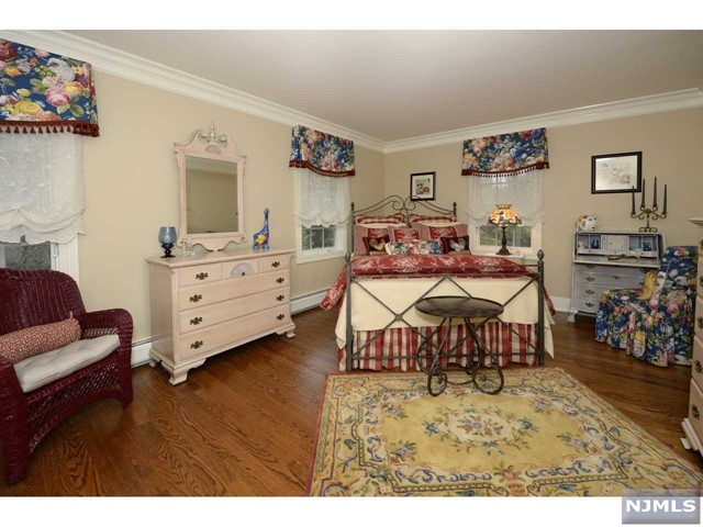 Additional photo for property listing at 339 Wearimus Road Ho Ho Kus, New Jersey 07423 United States
