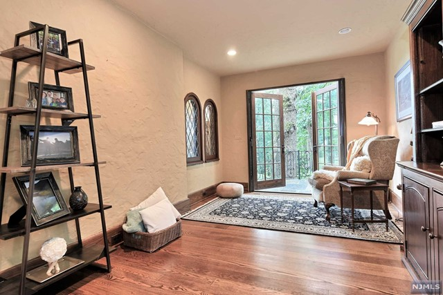 Additional photo for property listing at 350 Stonycroft Road Ridgewood, New Jersey 07450 United States