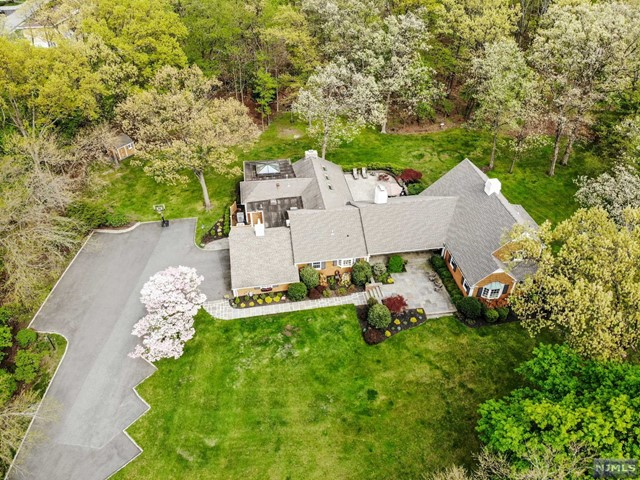 Single Family Home for Sale at 219 Long Hill Road Little Falls, New Jersey 07424 United States