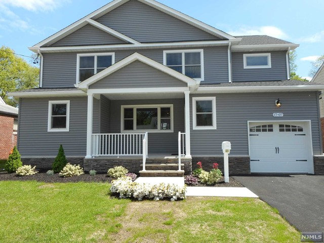 Single Family Home for Sale at 17-07 Hunter Place Fair Lawn, New Jersey 07410 United States