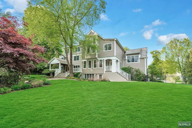 Additional photo for property listing at 240 Lotte Road Ridgewood, New Jersey 07450 United States