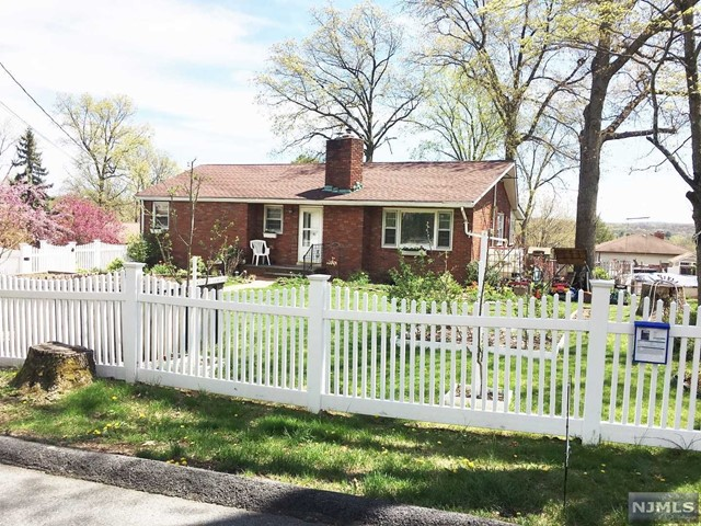 Single Family Home for Sale at 48 Prospect Road Wayne, New Jersey 07470 United States