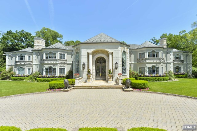 Single Family Home for Sale at 101 Fox Hedge Road Saddle River, New Jersey 07458 United States