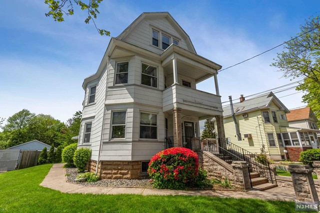 Villas / Townhouses for Sale at 19 Spring Street Bloomfield, New Jersey 07003 United States