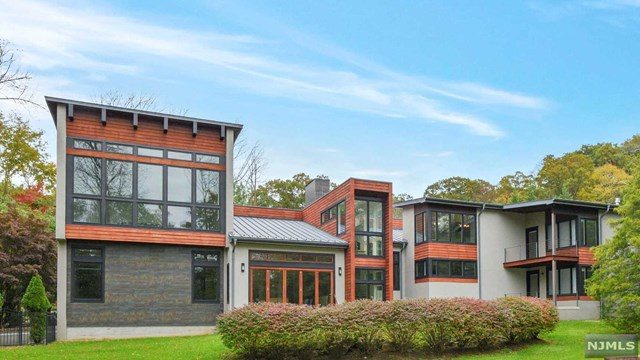 Single Family Home for Sale at 3 Fox Hedge Road Saddle River, New Jersey 07458 United States