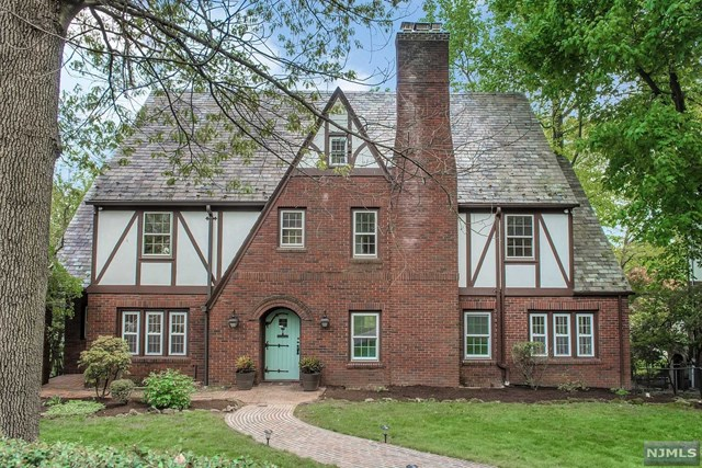 Single Family Home for Sale at 101 Undercliff Road Montclair, New Jersey 07042 United States