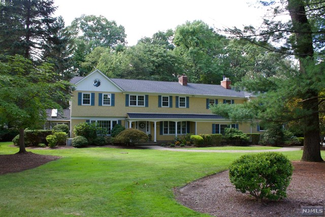 Single Family Home for Sale at 286 Gregory Road Franklin Lakes, New Jersey 07417 United States