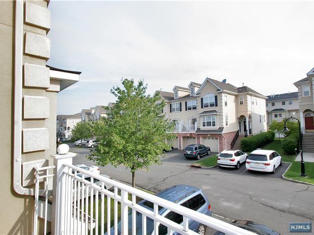 209 Blue Heron Drive, Secaucus, NJ, New Jersey 07094