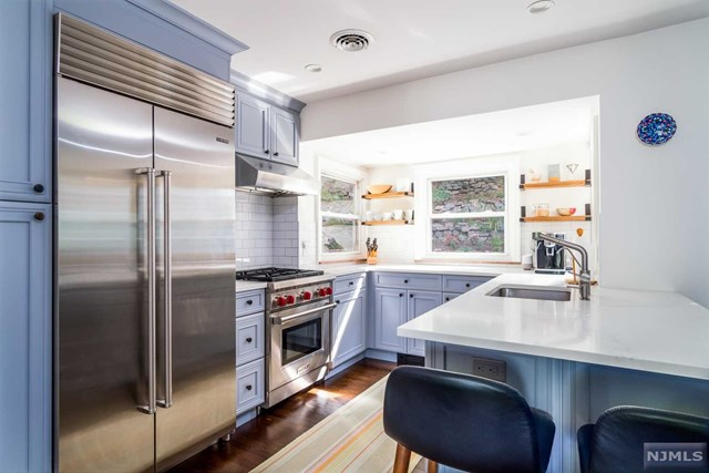 Photo of 413 Washington Terrace, Leonia, NJ 07605