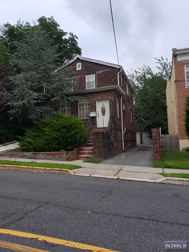 Photo of 1677 Maple Street, Fort Lee, NJ 07024