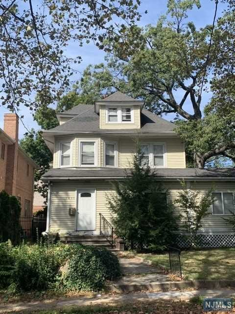Photo of 1099 Abbott Boulevard, Fort Lee, NJ 07024