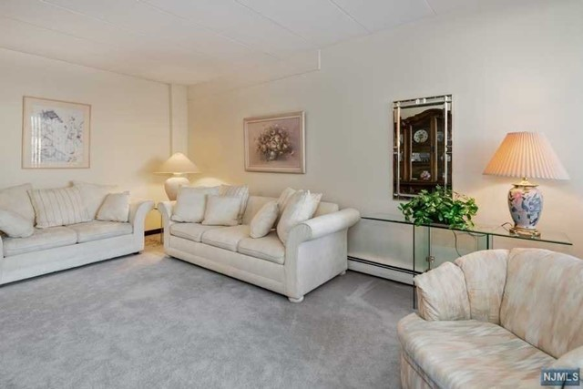 515 Anderson Ave, 2-K - Cliffside Park, New Jersey
