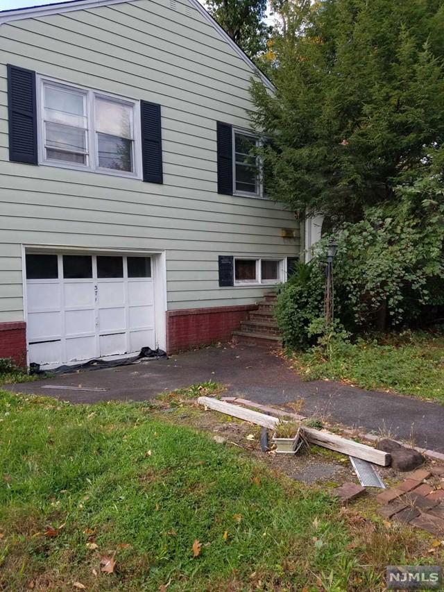 Photo of 371 Howland Avenue, River Edge, NJ 07661