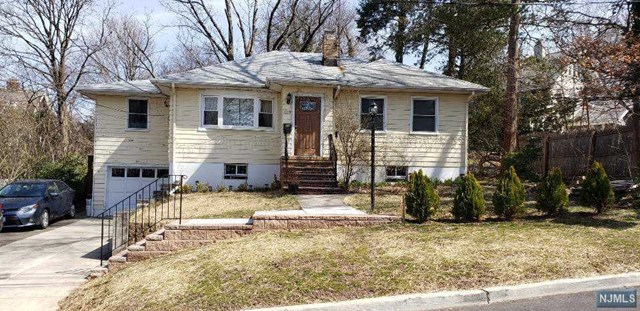 Photo of 119 Maple Street, Leonia, NJ 07605