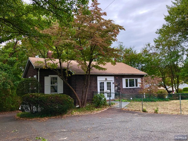 Photo of 266 Grand Avenue, Leonia, NJ 07605