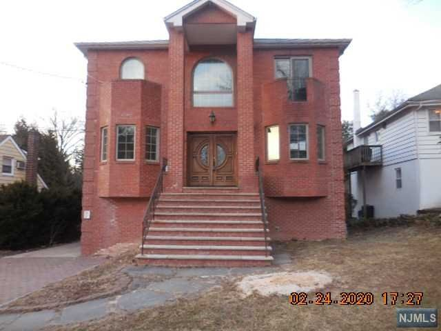 Photo of 351 Hillside Avenue, Leonia, NJ 07605