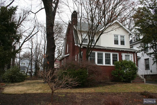 Photo of 315 Moore Avenue, Leonia, NJ 07605