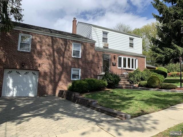 Photo of 635 Elm Avenue, Ridgefield, NJ 07657