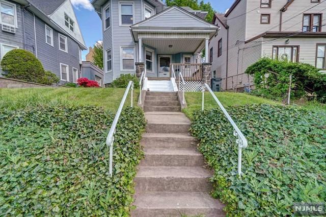 Photo of 514 Hillside Street, Ridgefield, NJ 07657