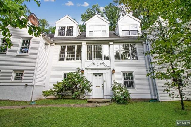 Photo of 100 Knapp Terrace, Leonia, NJ 07605