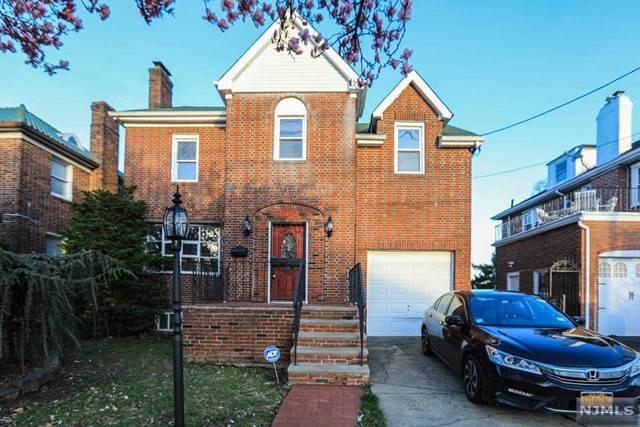 Photo of 1003 Anderson Avenue, Fort Lee, NJ 07024