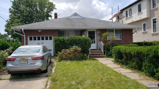 Photo of 210 Forest Road, Fort Lee, NJ 07024